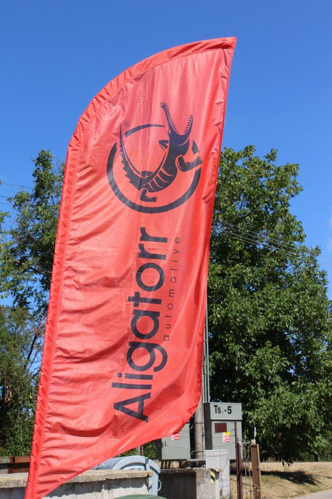 Aligatorr Automotive vlajka